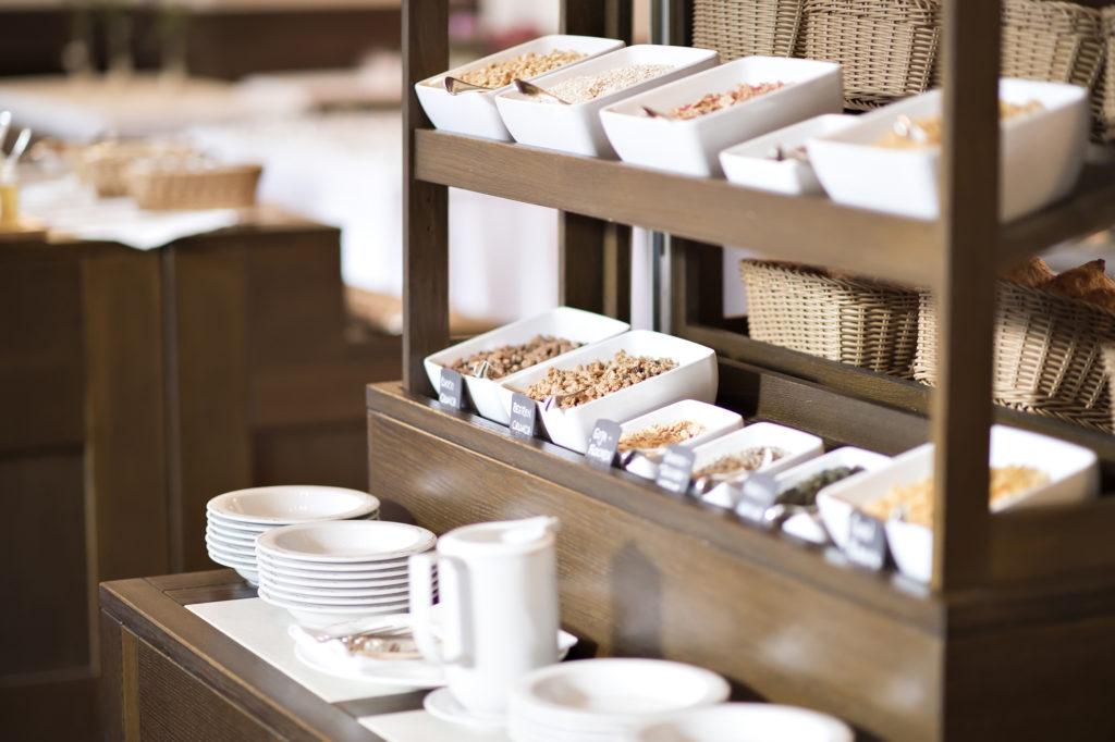 Frühstücksbuffet im Hotel Waldhaus Sils