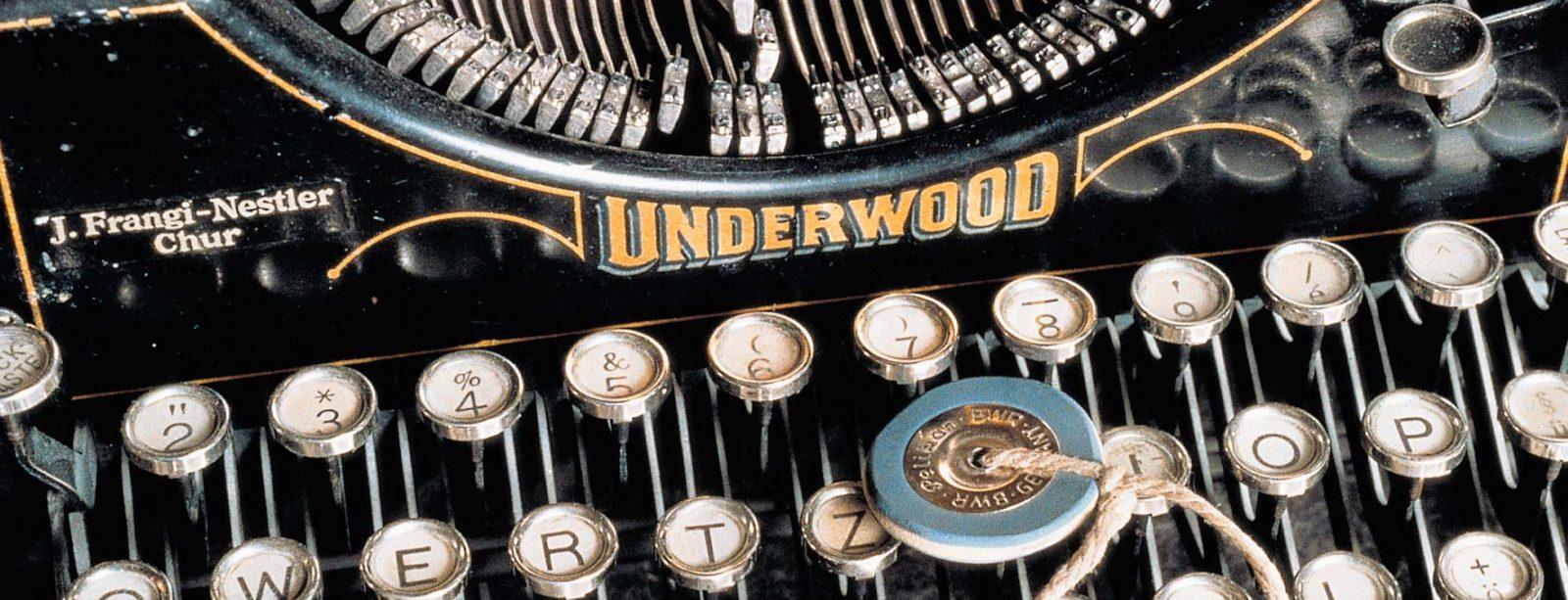 Schreibmaschine im Museum des Hotel Waldhaus Sils