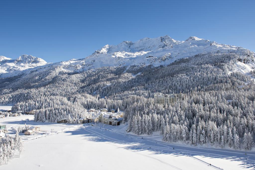 Sicht Richtung Hotel Waldhaus Sils im Winter