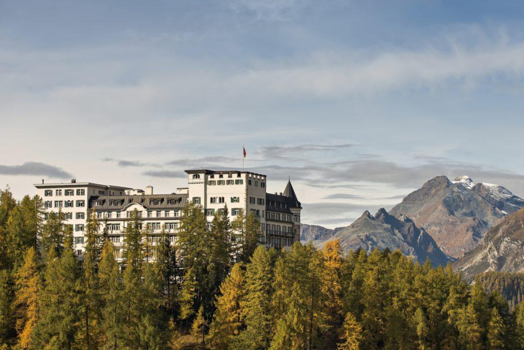 Herbstansicht Hotel Waldhaus Sils