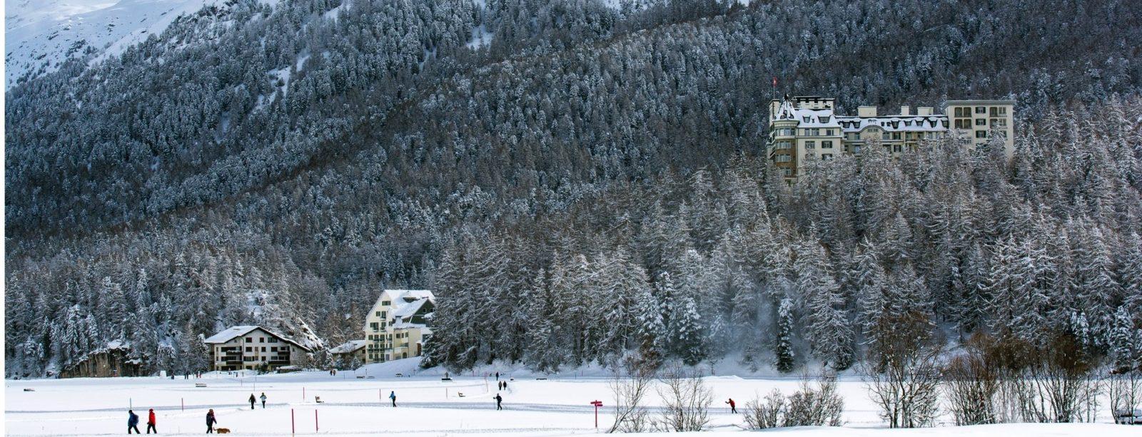 Silserebene mit Blick Richtung Hotel Waldhaus