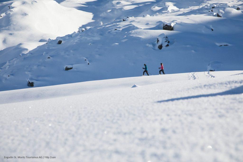 Schneeschuhlaufen im Engadin
