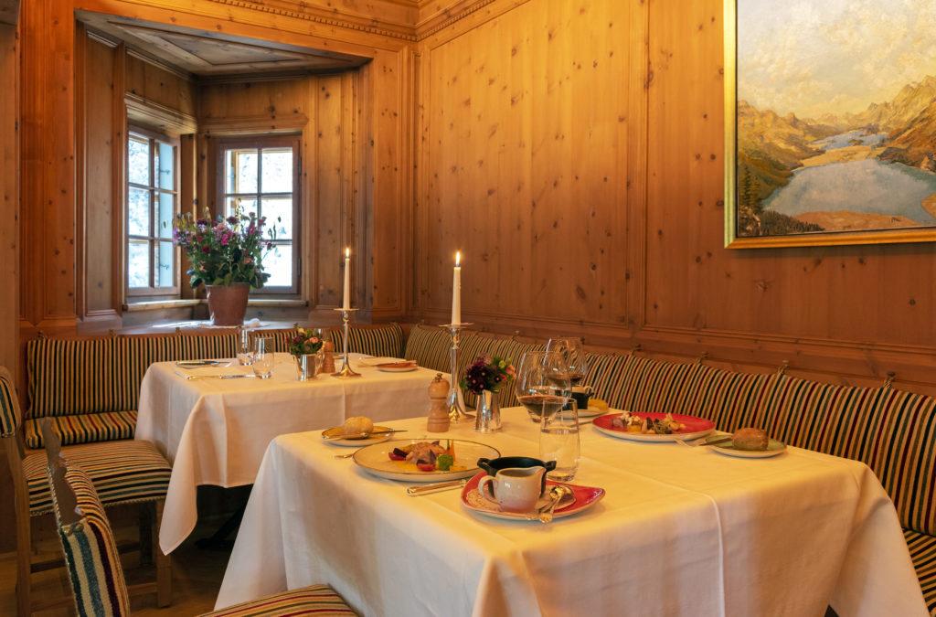 Die Arvenstube im Hotel Waldhaus Sils