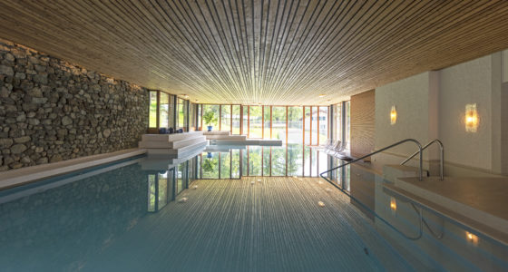 Das Schwimmbad im Hotel Waldhaus Sils
