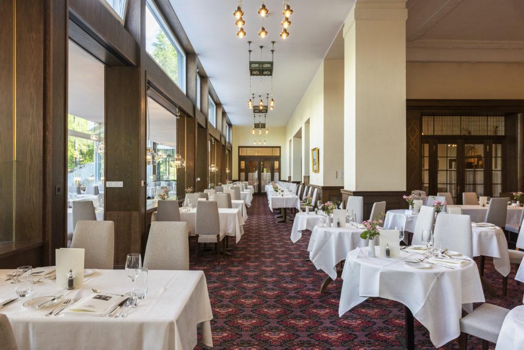 Speisesaal vom Hotel Waldhaus Sils mit Blick Richtung Gran Hall