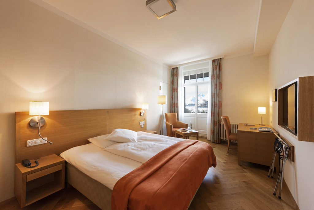 Small double room - Hotel Waldhaus Sils