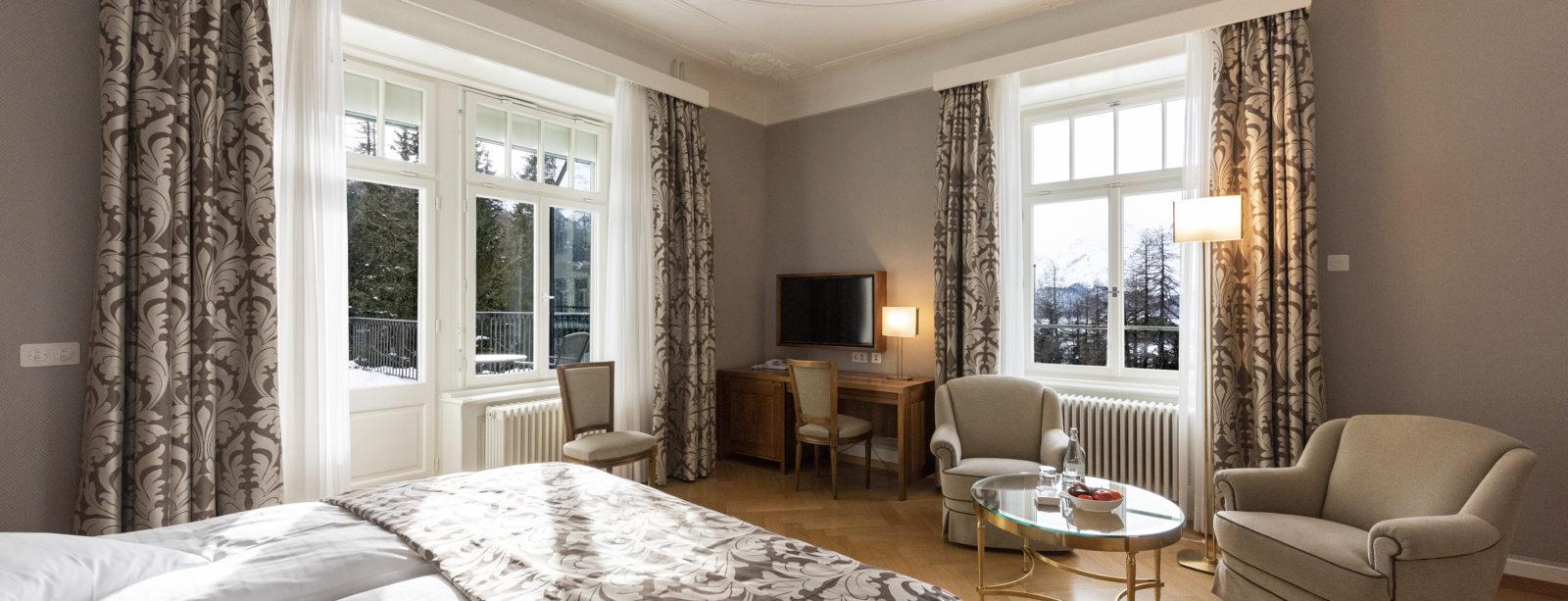 Doppelzimmer mit Seesicht - Hotel Waldhaus Sils
