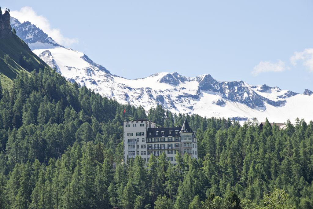 Aussenansicht Sommer - Hotel Waldhaus Sils
