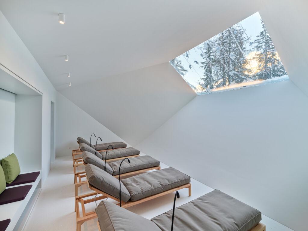 La salle de relaxion dans le Spa de l'hôtel Waldhaus Sils