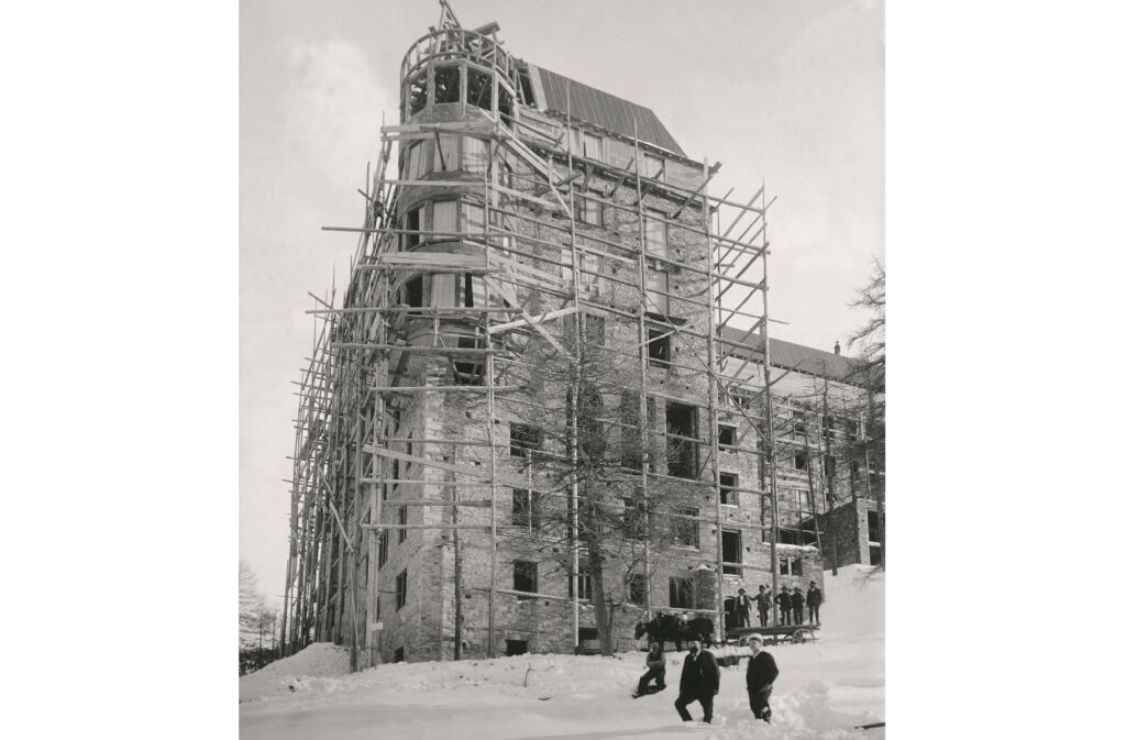 Construction of the Hotel Waldhaus Sils